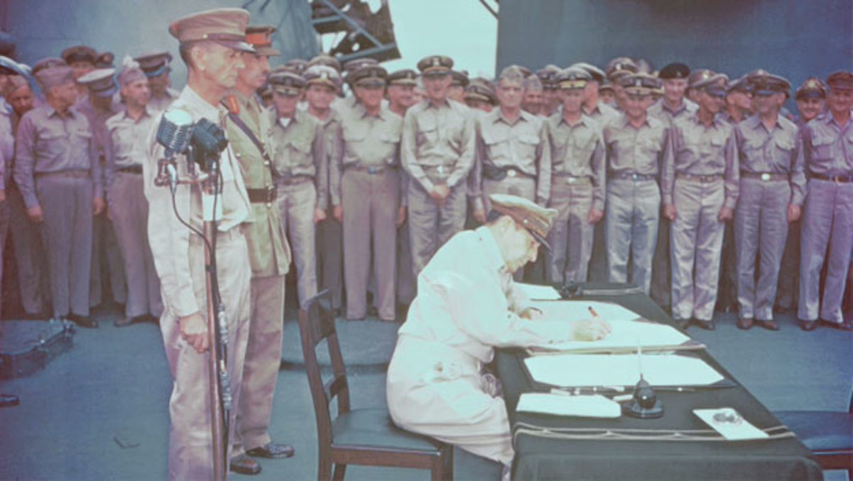 Douglas MacArthur Receives the Japanese Surrender