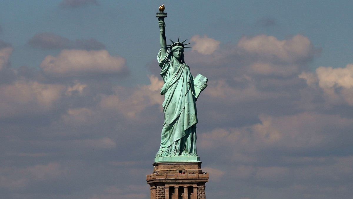 Statue Of Liberty Arrives In New York Harbor History