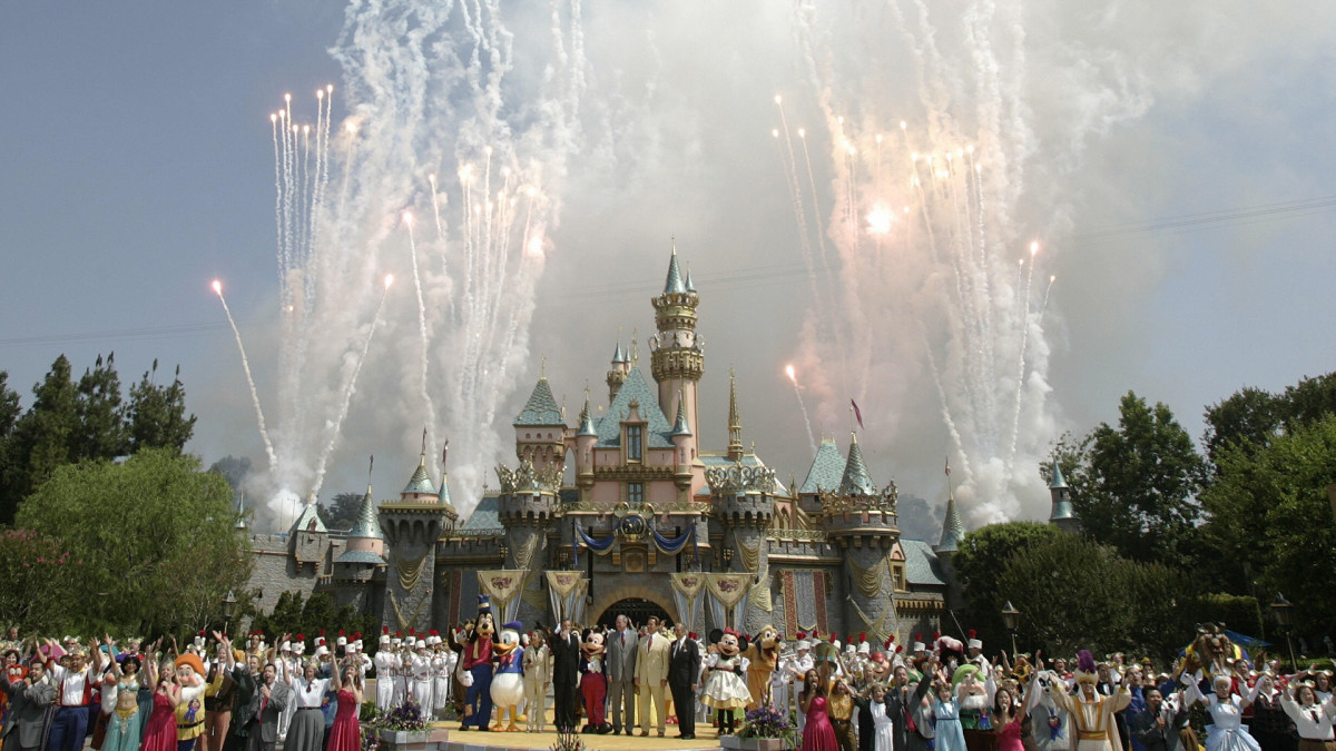 This Day In History 07 17 1955 Disneyland Opens