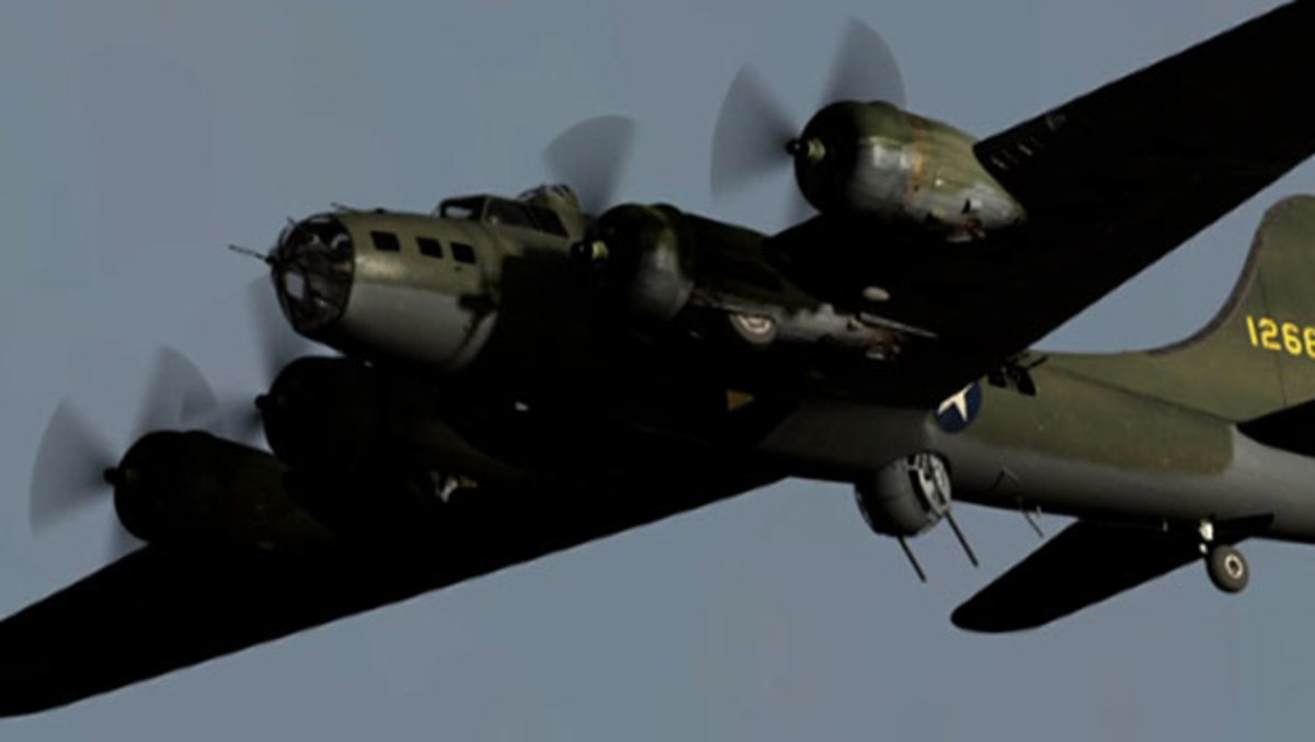 Boeing B-17 Flying Fortress Bomber - HISTORY