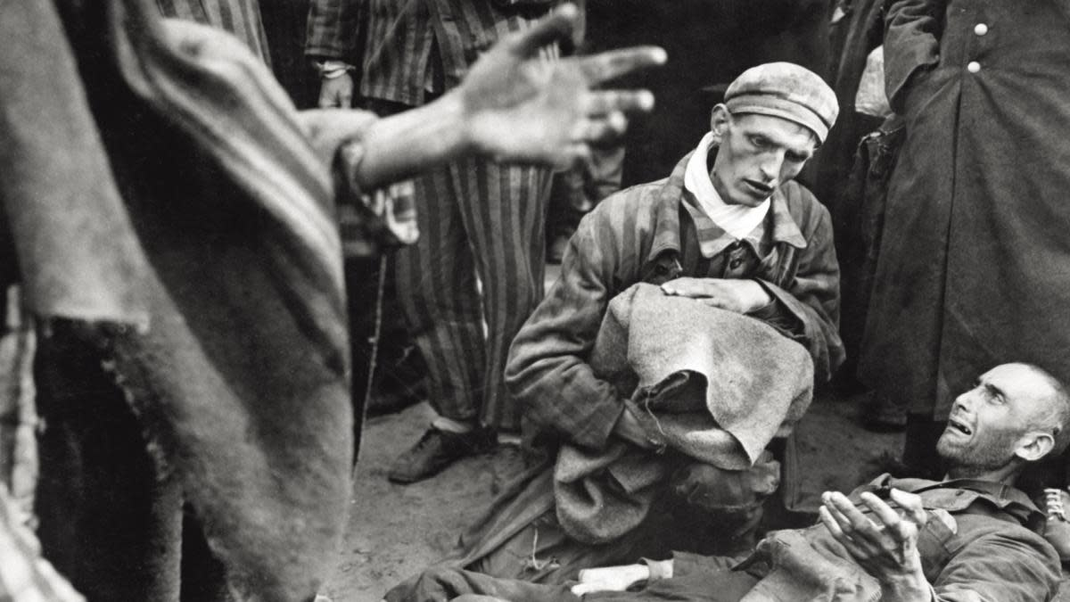 Prisoners of Majdanek concentration camp, as they have been found by the allied troops, 1944. (Credit: Mondadori Portfolio/Getty Images)