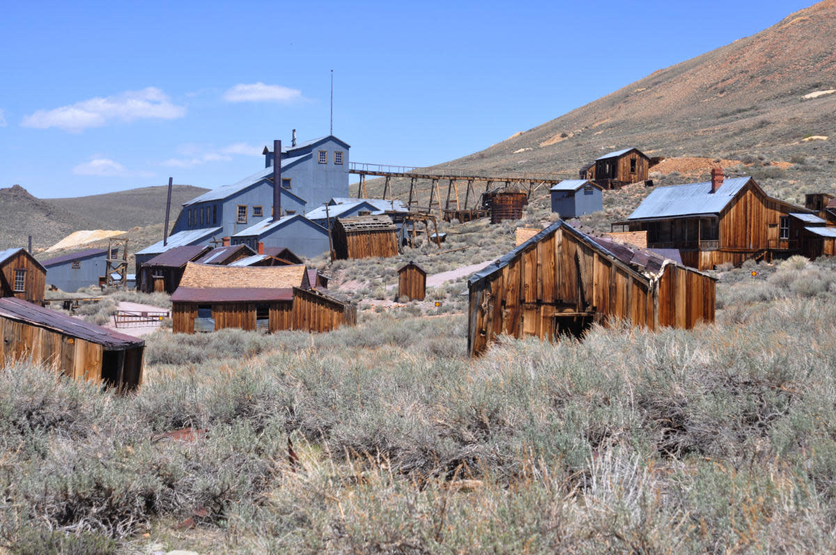 6 Famous Ghost Towns And Abandoned Cities History