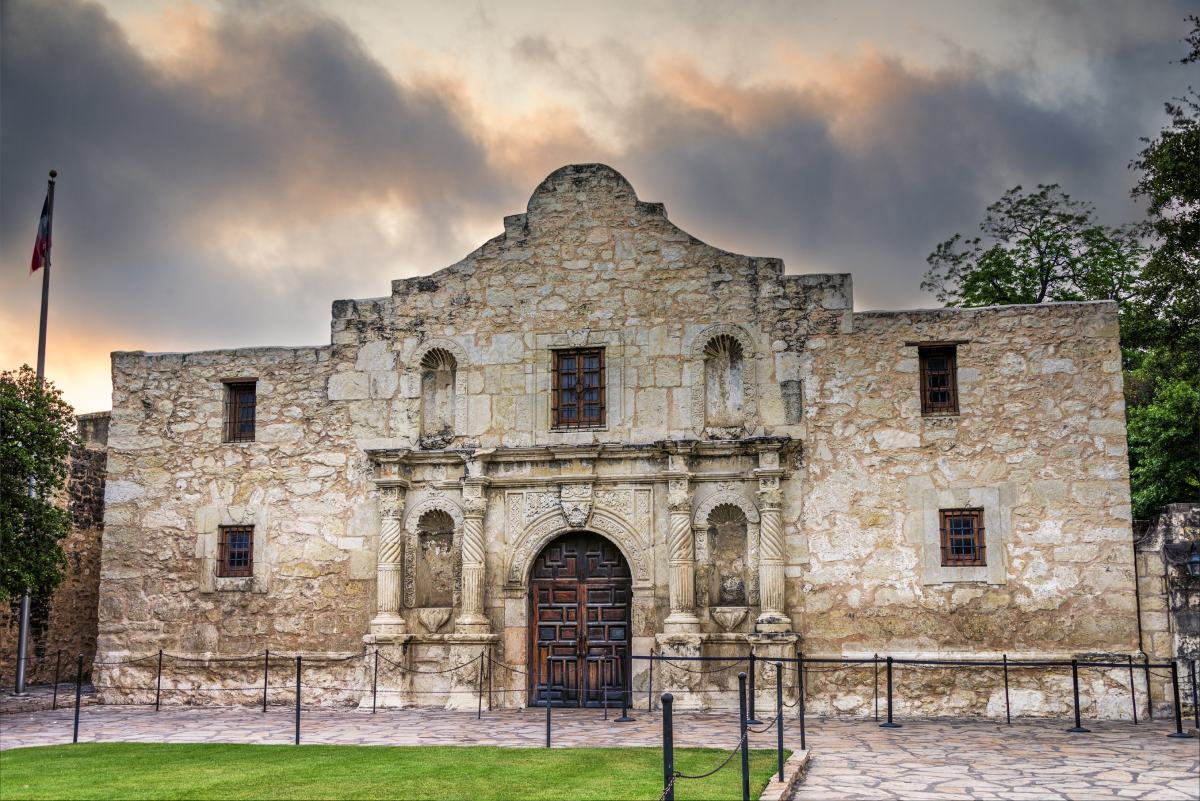 Who survived the Alamo? - HISTORY