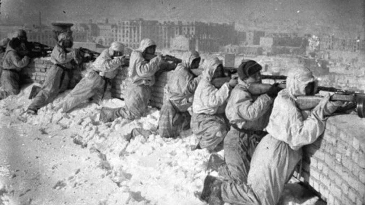 Russian soldiers at Stalingrad. (Credit: German Federal Archives)