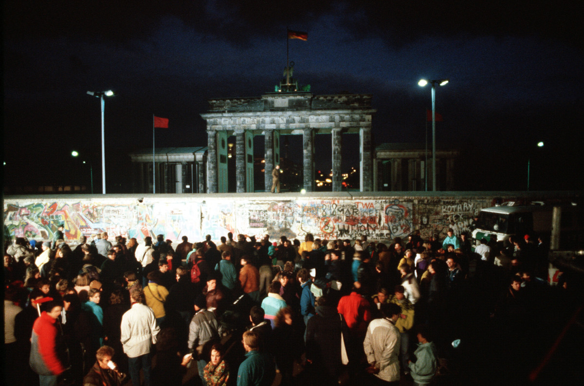 The Berlin Wall – fascinating facts and figures   Rayburn ...   Fun Facts About The Berlin Wall