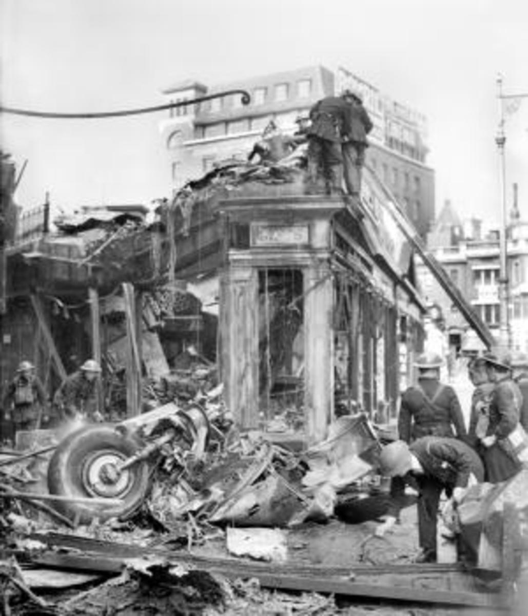 Wreckage of the bomber that Ray Holmes brought down. (Credit: Planet News Archive/SSPL/Getty Images)