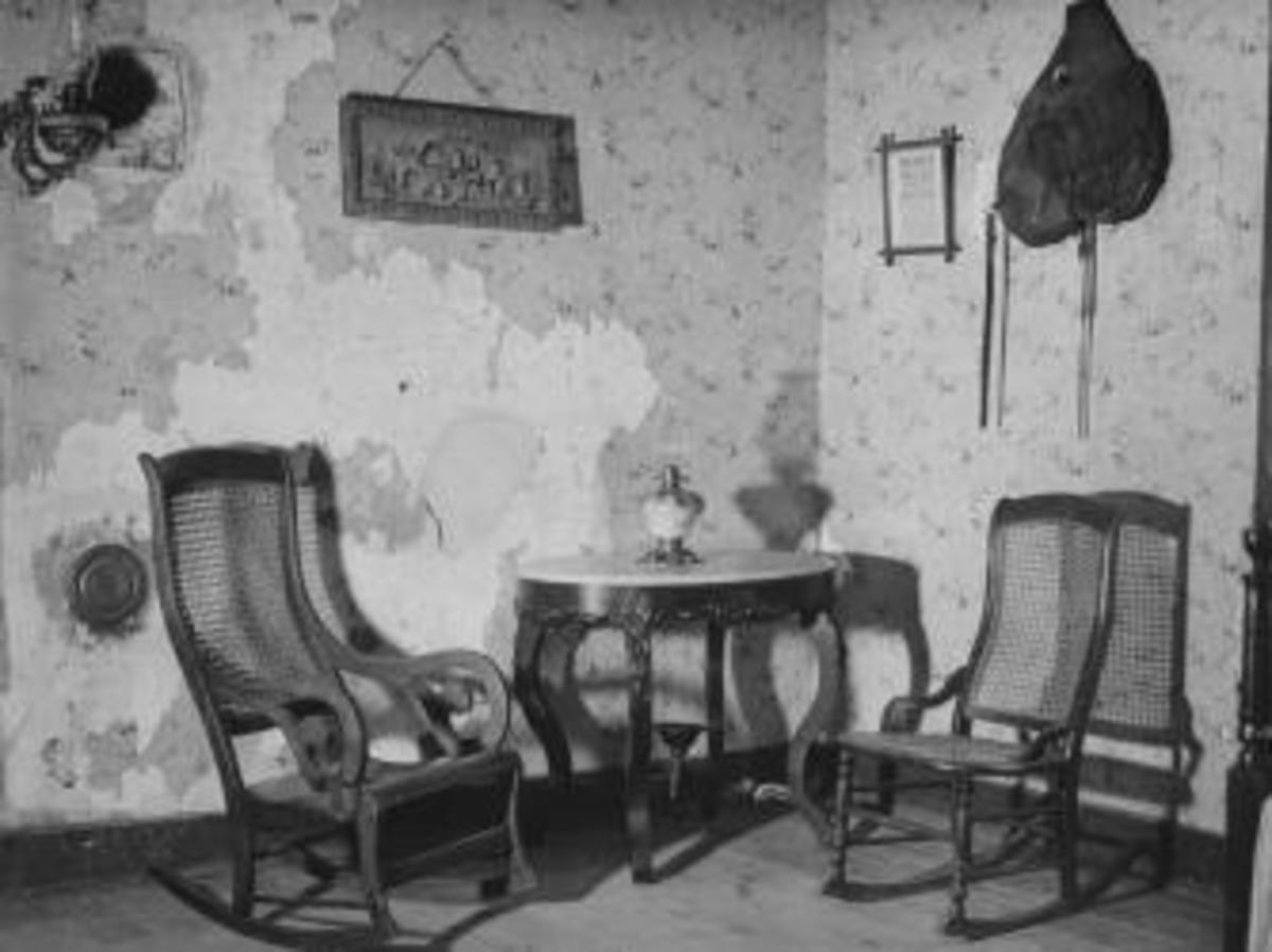The room in which Jesse James was shot and killed in his own home.  (Credit: Walter Sanders/Getty Images)
