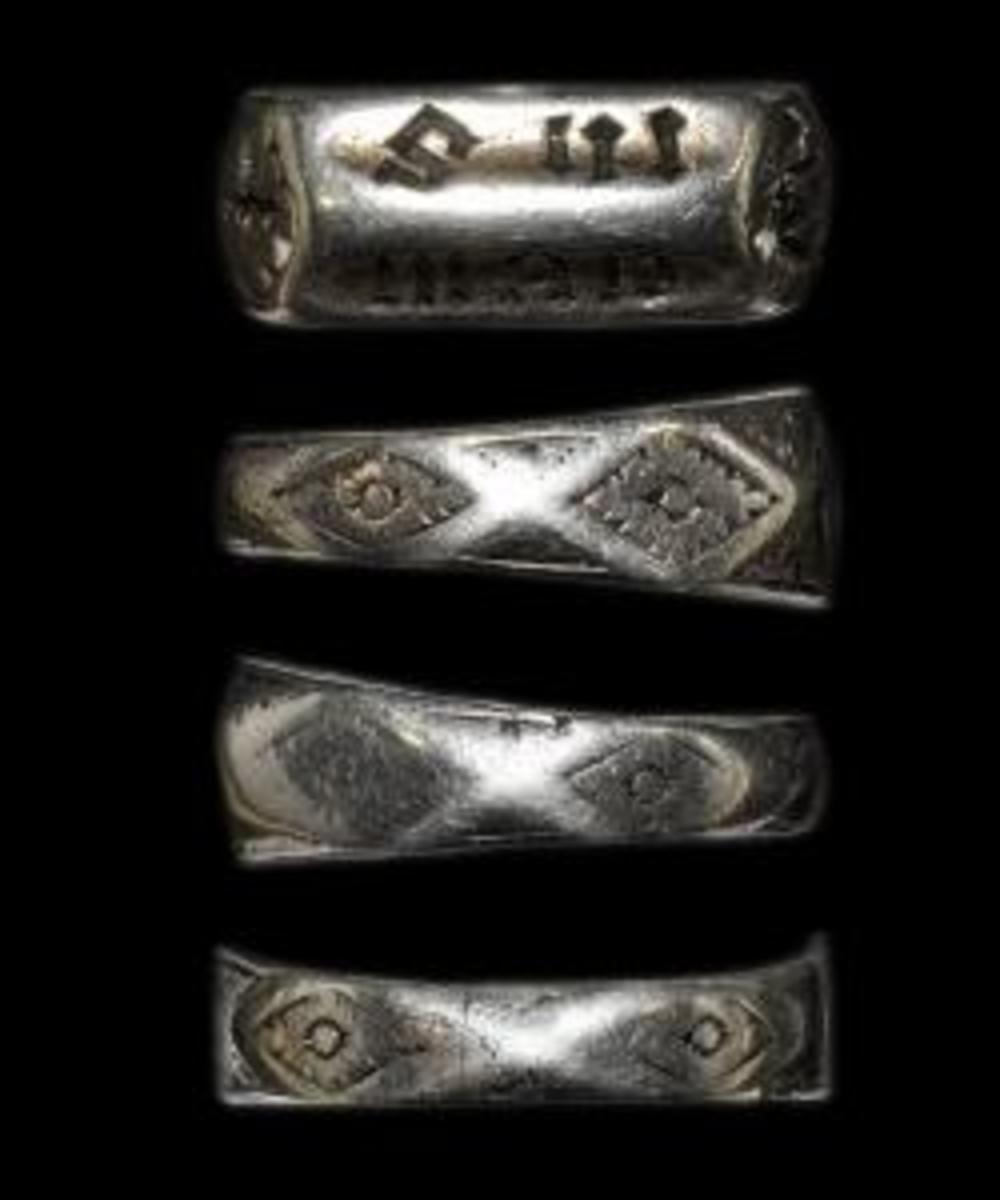 Joan of Arc ring sold at auction. (Credit: TimeLine Auctions Limited)