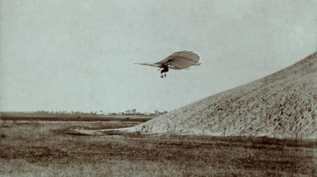 Otto Lilienthal performing one of his gliding experiments. (Credit: Public Domain)