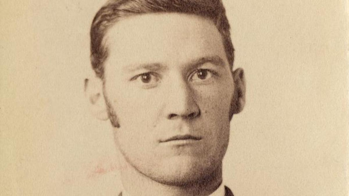 Pinkerton mug shot of bank robber Eddie Guerin.
