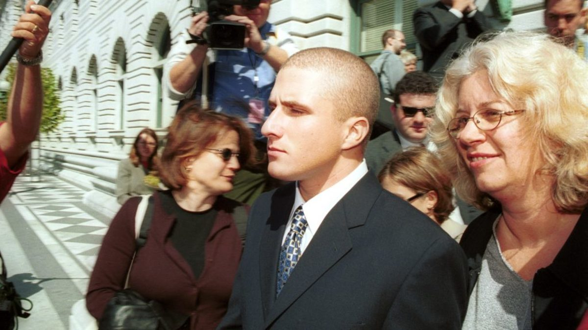 Shawn Fanning, co-founder of the online music service Napster, leaving the 9th Circuit Court of Appeals on October 2, 2000 in San Francisco, during a battle that pitted the upstart web company against the mainstream music industry.  (Photo by Alan Dejecacion/Newsmakers)
