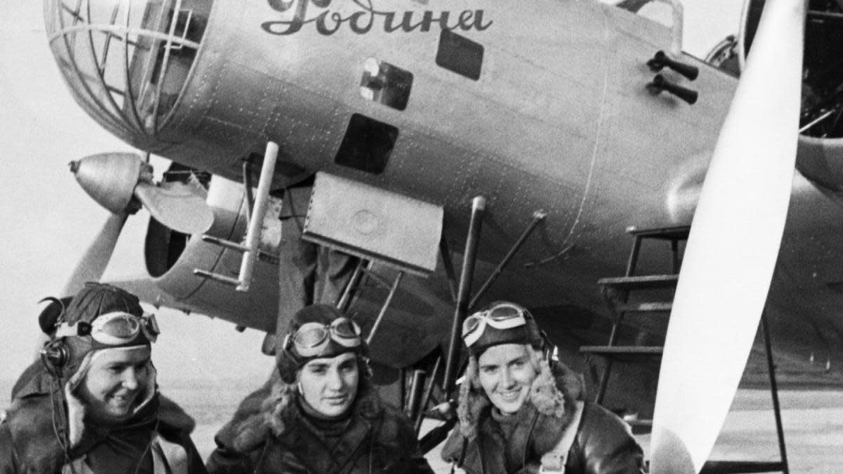 Captain Polina Osipenko (Co-Pilot and Commander of the plane), Deputy to the Supreme Soviet of the USSR Valentina Grizodubova (Navigator), and Senior Lieutenant Marina Raskova right before taking flight. (Credit: Sovfoto/UIG via Getty Images)