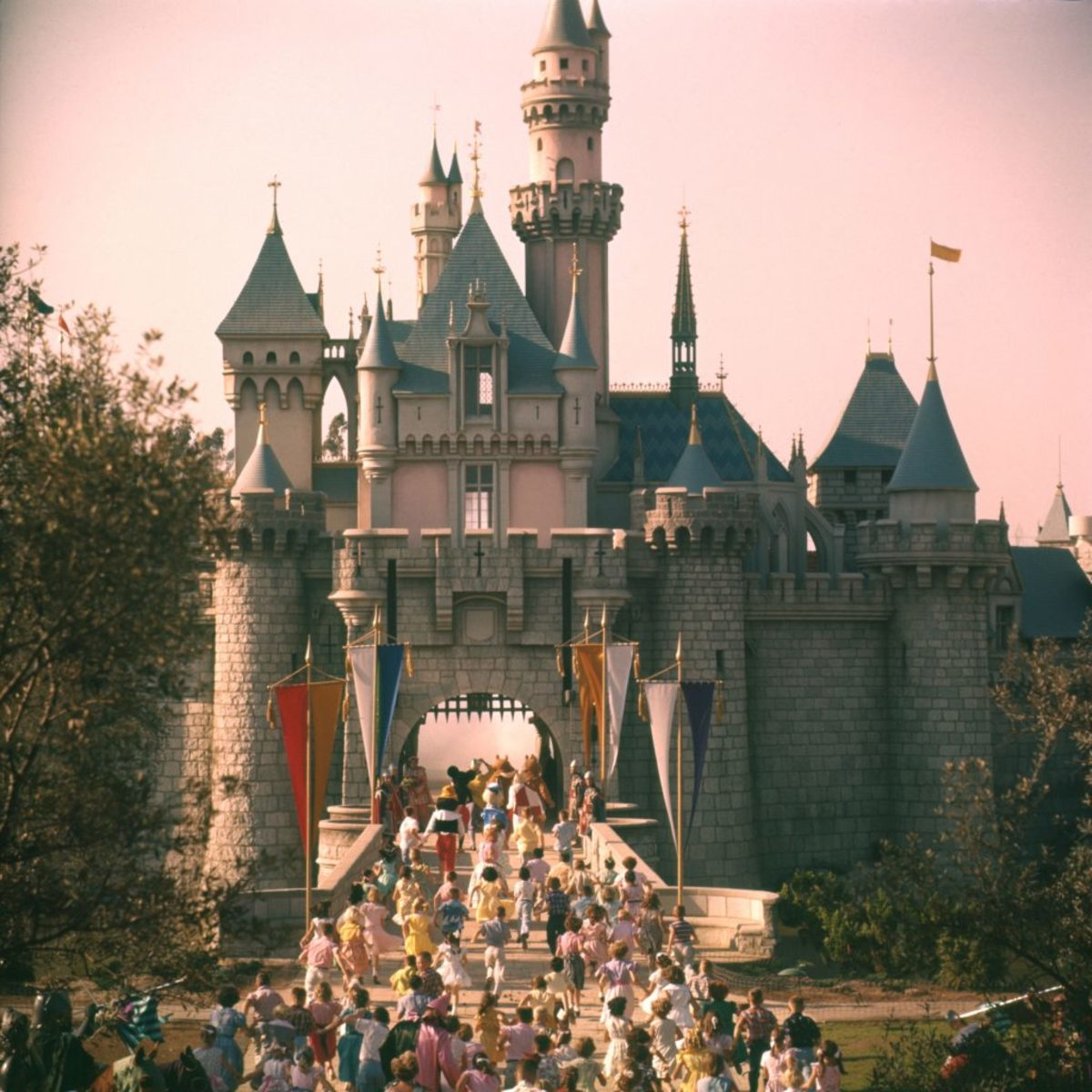Disneyland S Disastrous Opening Day History