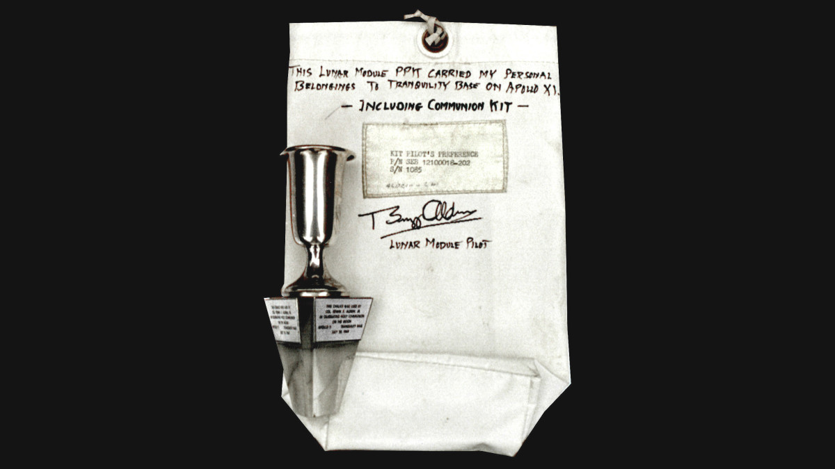 The communion bag and chalice used by Buzz Aldrin during his lunar communion. (Credit: David Frohman, President of Peachstate Historical Consulting, Inc.)