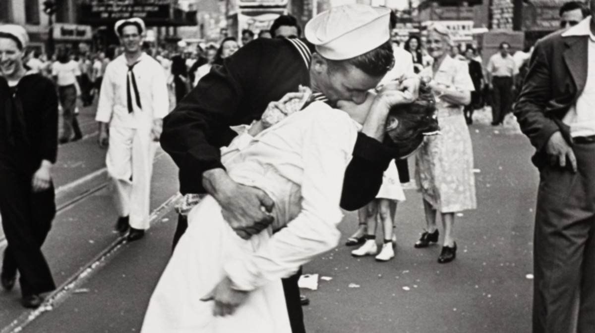 The Pictures That Defined World War Ii History