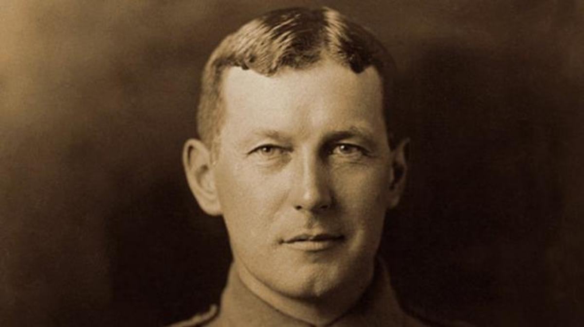 John McCrae in uniform. (Credit: Public Domain)