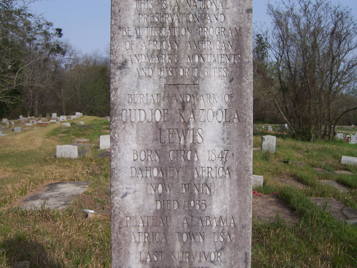 A marker to commemorate Cudjo Lewis, considered to be the last surviving victim of the Atlantic slave trade between Africa and the United States, in Mobile, Alabama. (Credit: Womump/Wikimedia Commons/CC BY-SA 4.0)