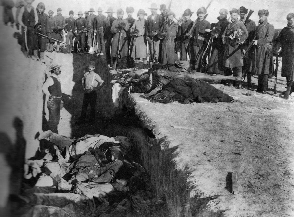 Burial of the dead after the massacre of Wounded Knee. (Credit: Niday Picture Library/Alamy Stock Photo)