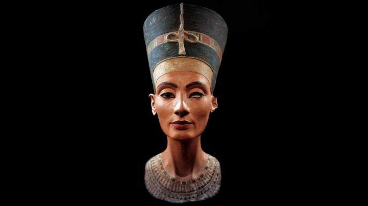 Bust of Nefertiti, Great Royal Wife to the Egyptian Pharaoh Akhenaten. (Credit: Photo12/UIG via Getty Images)