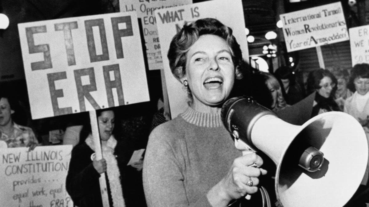 'Stop ERA' national Chairman Phyllis Schafly leading members opposed to the equal rights amendment. (Credit: Bettmann Archive/Getty Images)