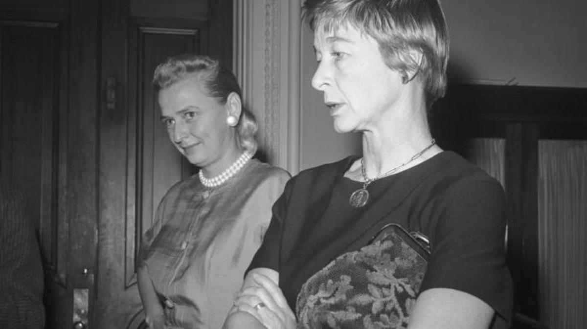 Jerrie Cobb (left) and Jane Hart, are shown at the Capitol after warning Vice President Johnson that Russia will put the first woman astronaut into space unless the U.S. moves quickly. (Credit: Bettmann/Getty Images)