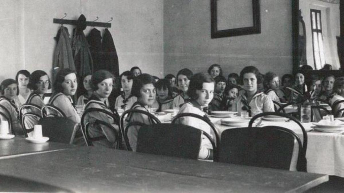 Haining's students in class.