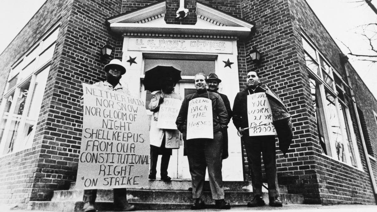 Post Office workers on strike at Tenafly, 1970. (Credit: Keystone-France/Gamma-Keystone via Getty Images)