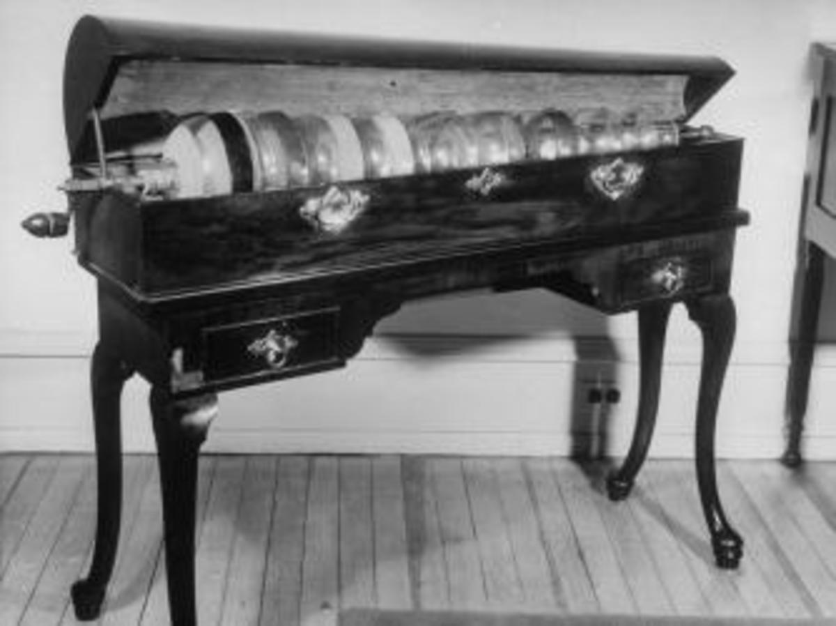 Armonica invented by Benjamin Franklin.  (Credit: Andreas Feininger/The LIFE Picture Collection/Getty Images)