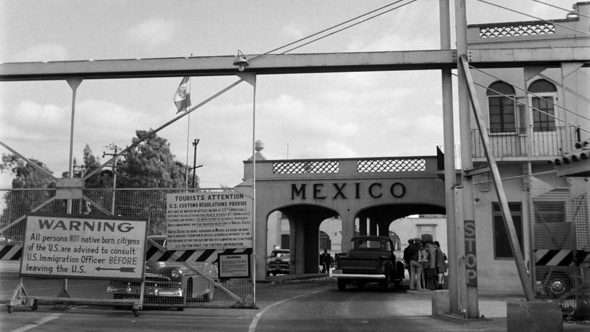 A view of the Mexico border gate in Calexico, California into Tijuana, 1950. (Credit: Earl Leaf/Michael Ochs Archives/Getty Images)
