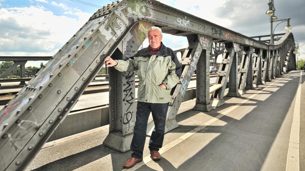 Harald Jäger on the Bornholm Bridge, 2014. On November 9, 1989, in defiance of his Communist bosses, he opened the largest checkpoint of the Berlin Wall to let East Germans pass freely to the West.  (Credit: Lambert/ullstein bild via Getty Images)