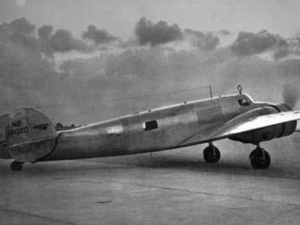 A Miami Herald photo of Earhart's Lockheed Electra with metal plate near tail. (Credit: TIGHAR)