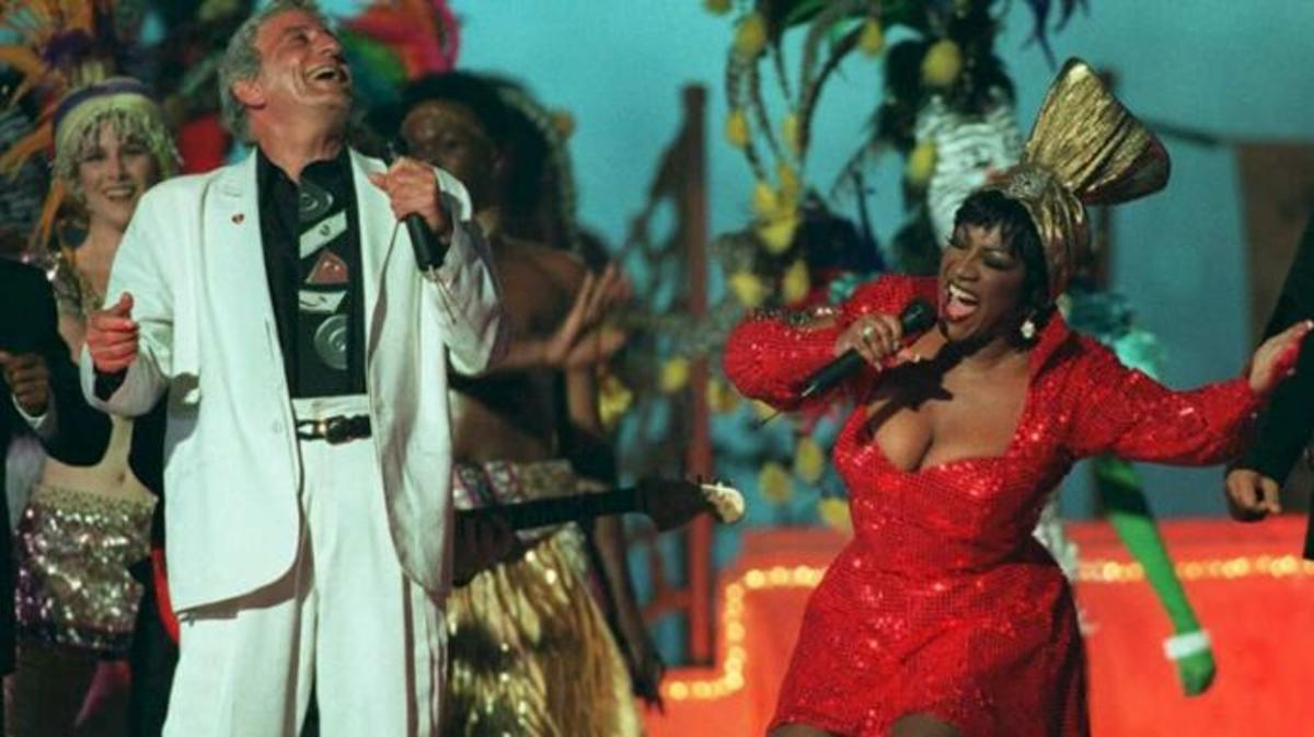 Tony Bennett and Patti LaBelle perform at the Super Bowl XXIX halftime show on January 29, 1995.