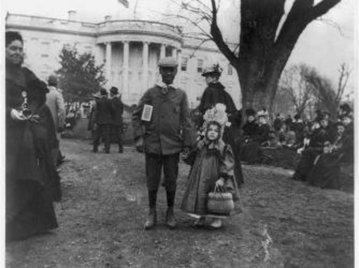 Children at the 1898 Easter Egg Roll. (Credit: Library of Congress)