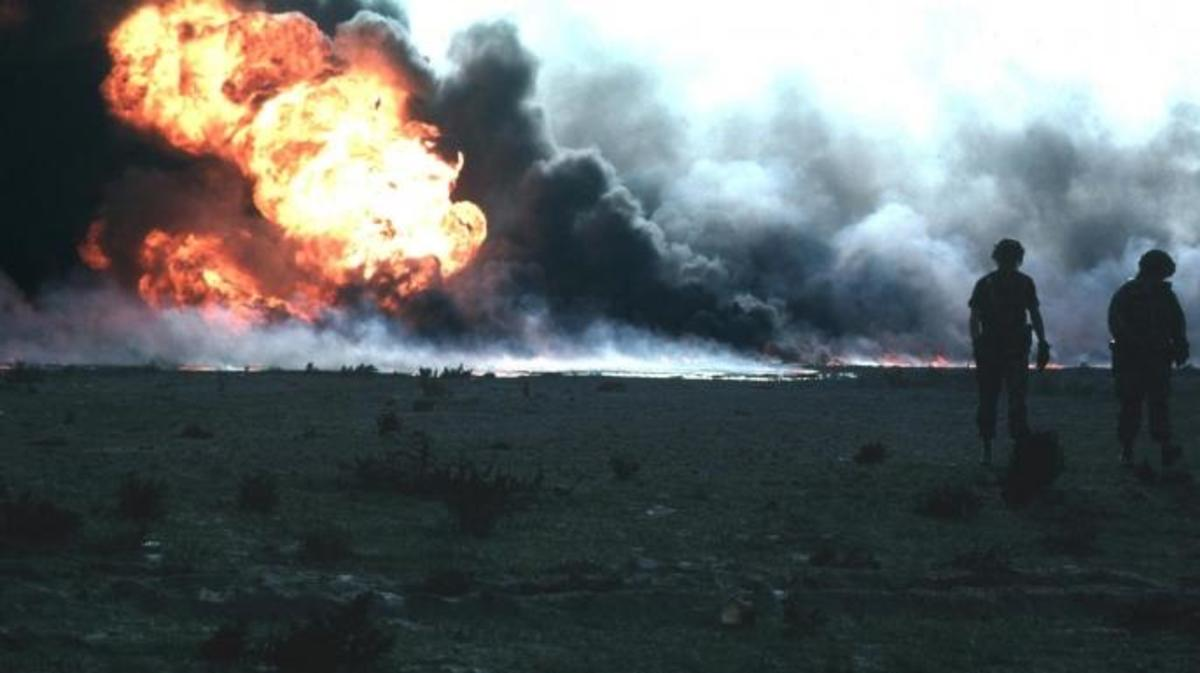 Burning oilfield during Operation Desert Storm, Kuwait. (Credit: Public Domain)