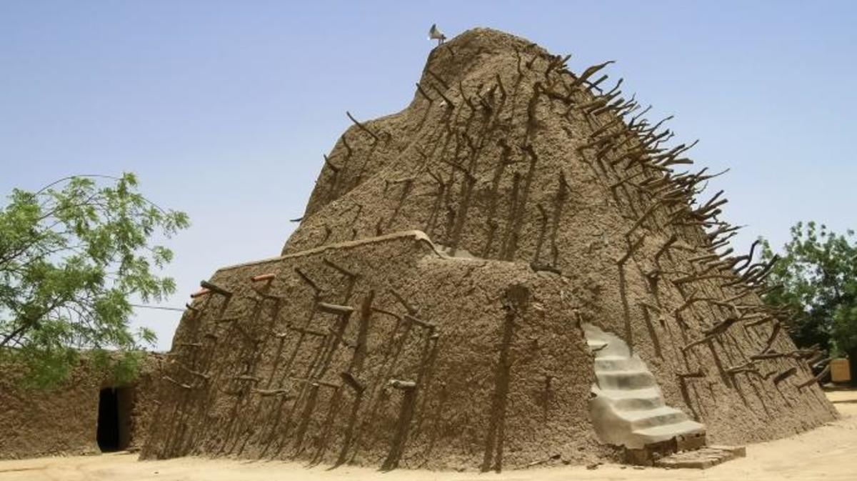 Tomb of Askia, emperor of the Songhai Empire at Gao, Mali, West Africa. (Credit: Luis Dafos)