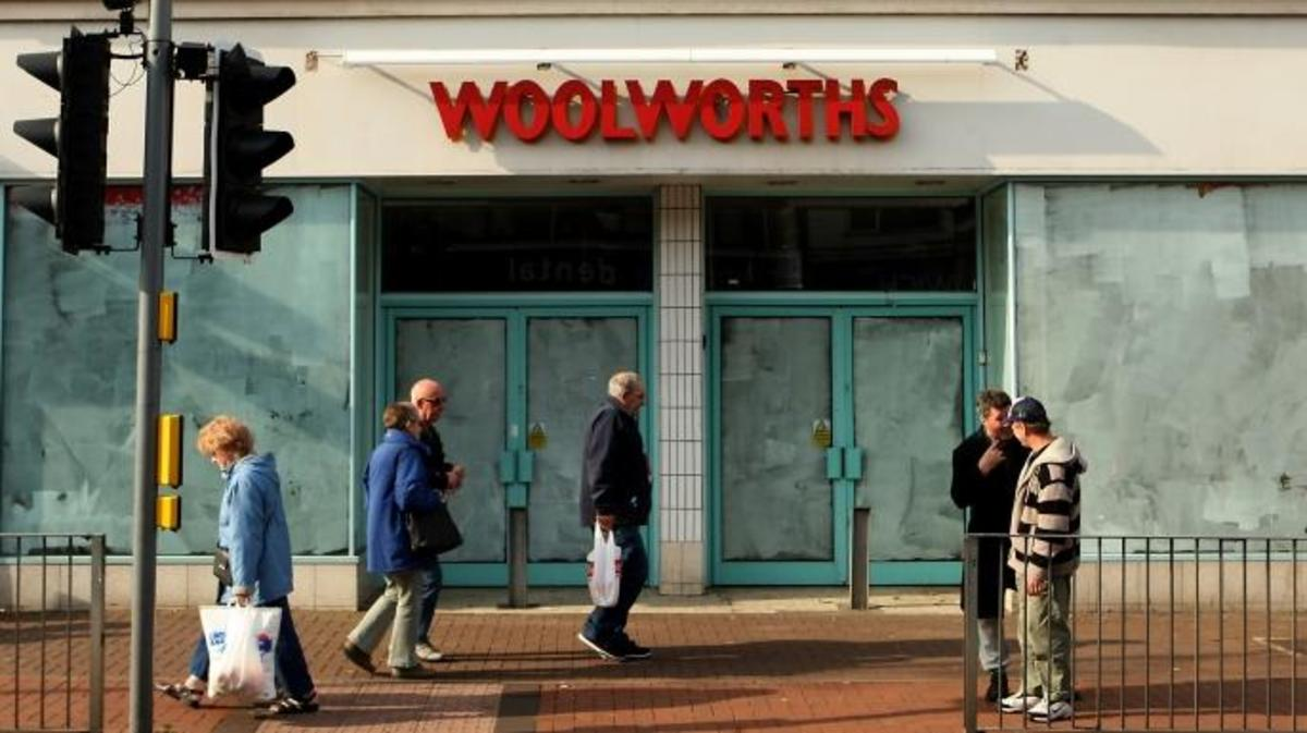 An empty Woolworths store in Birmingham. (Credit: Stephen Pond/PA Images via Getty Images)