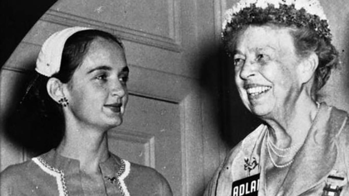 Roxcy Bolton, Florida's leading women's rights activist, with Mrs. Franklin D. Roosevelt, 1956. (Credit: State Archives of Florida)