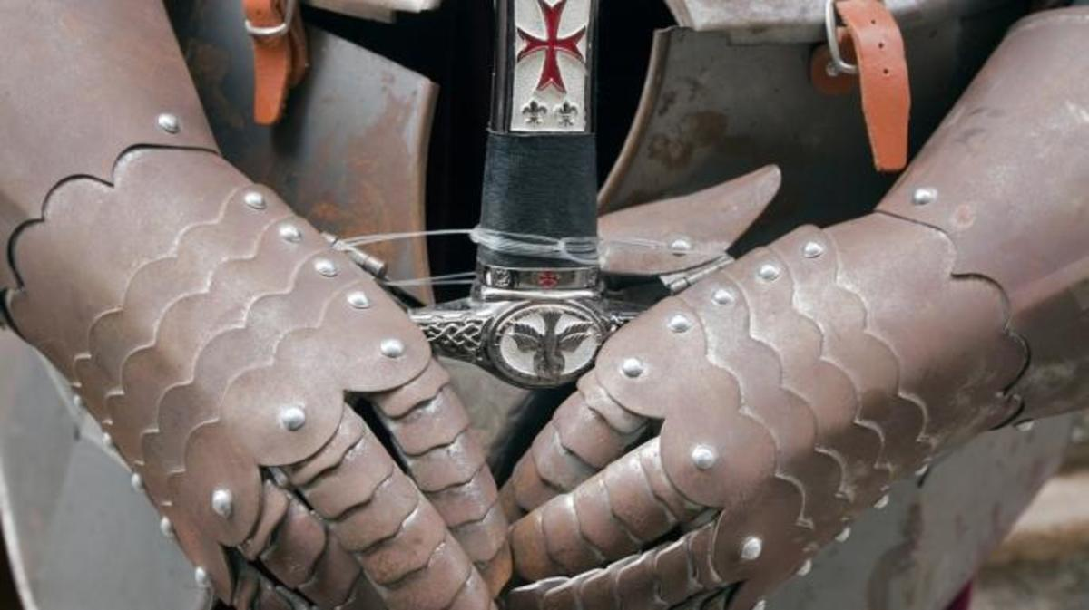 Knights Templar armor gloves