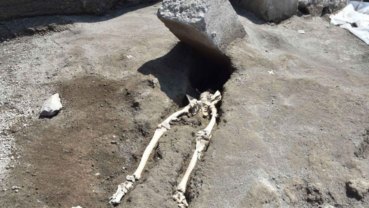 This Ancient Pompeii Man Was Crushed By A Rock As He Fled Volcano