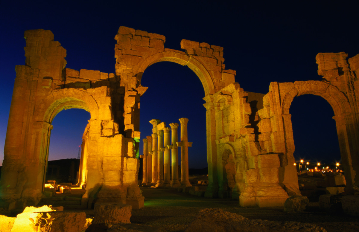 palmyra arch that survived isis will be recreated in new