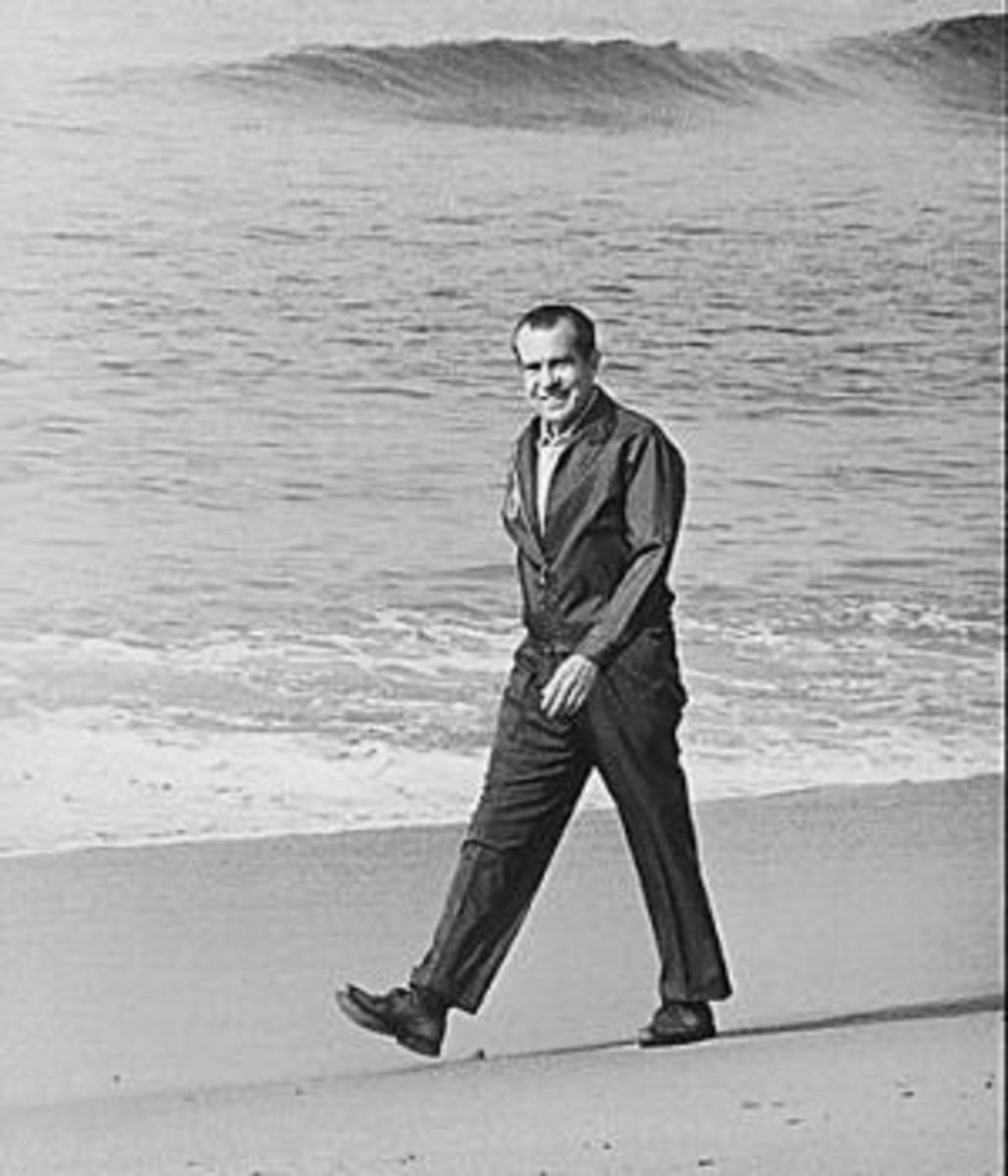 Nixon walking on the beach in San Clemente, 1971 (Credit: National Archives)