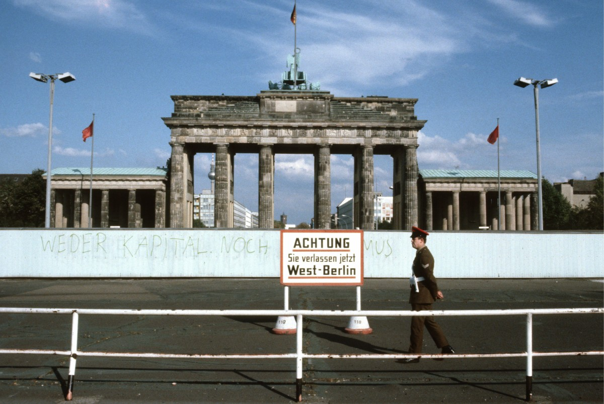 Berlin Wall History Dates Amp The Fall History