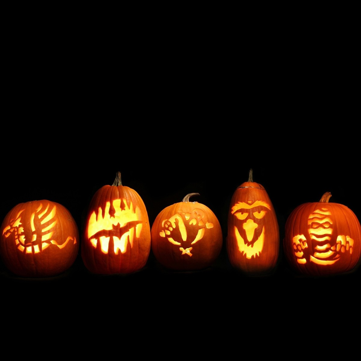 25 Easy Pumpkin Carving Ideas for Halloween