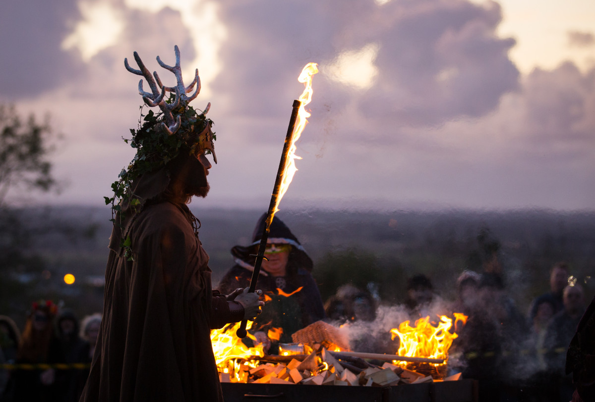 the-festival-of-samhain-is-celebrated-in-glastonbury.jpg?profile=RESIZE_710x