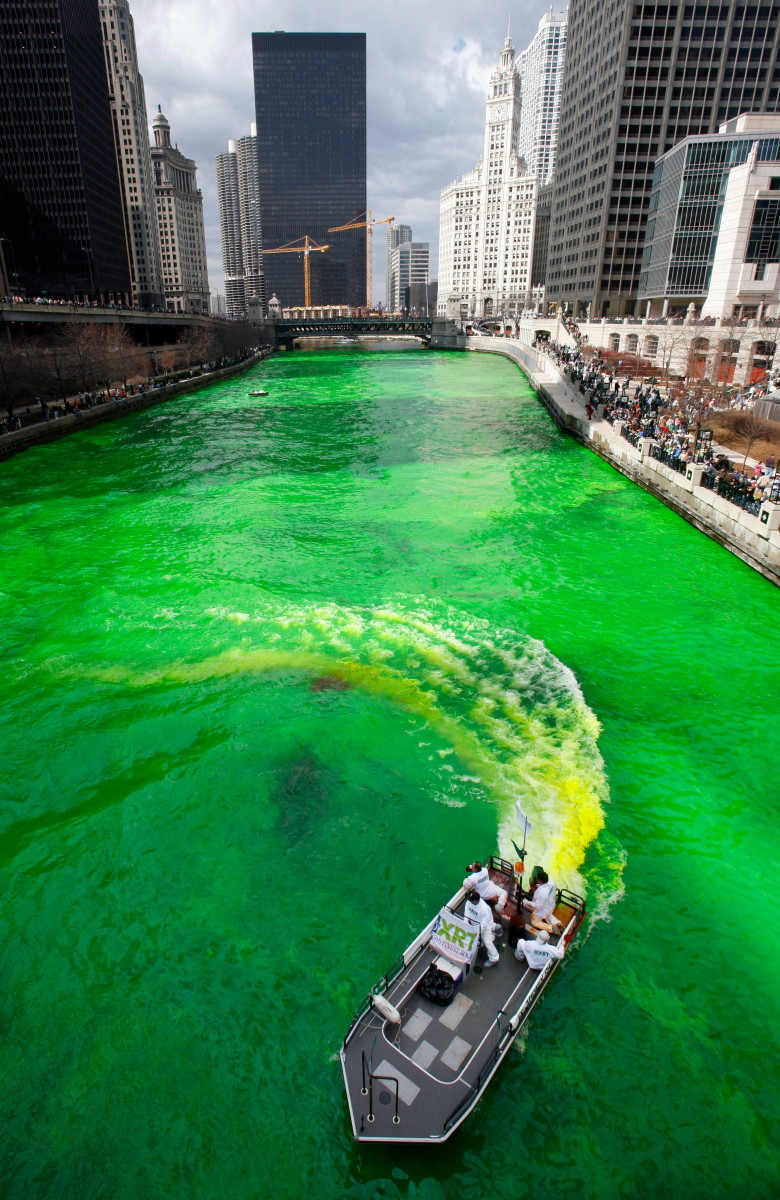 The Chicago River on St. Patrick's Day, 2006. (Image by © John Gress/Reuters/Corbis)