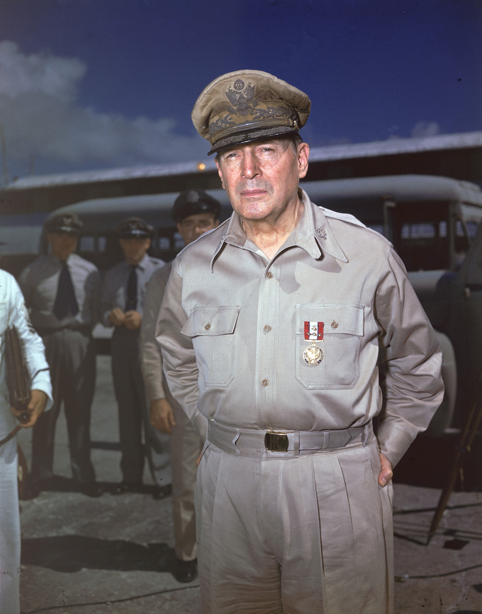 Douglas MacArthur - General, WWII & Korean War - HISTORY