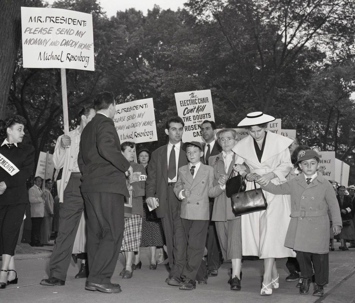 Julius and Ethel Rosenberg clemency protest