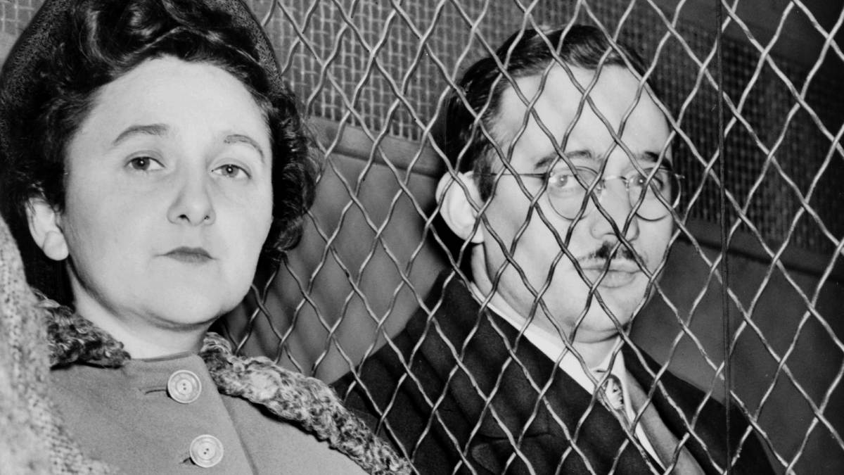 Julius and Ethel Rosenberg who were executed after having been found guilty of conspiracy to commit espionage. The charges were in relation to the passing of information about the American atomic bomb to the Soviet Union.