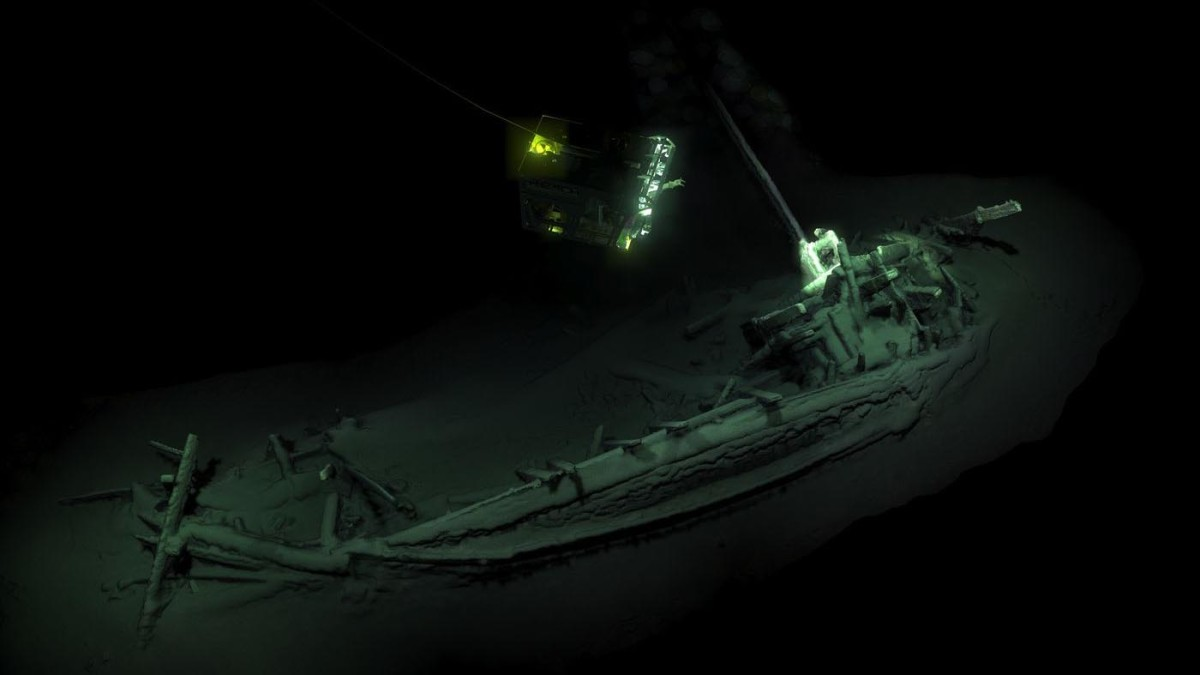 An Ancient Greek ship at the bottom of the Black Sea was digitally mapped by two remote underwater vehicles.