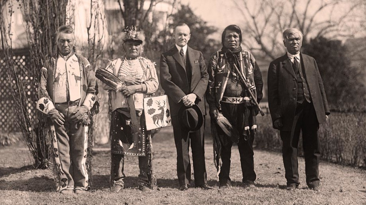 Calvin Coolidge and Native American group at White House
